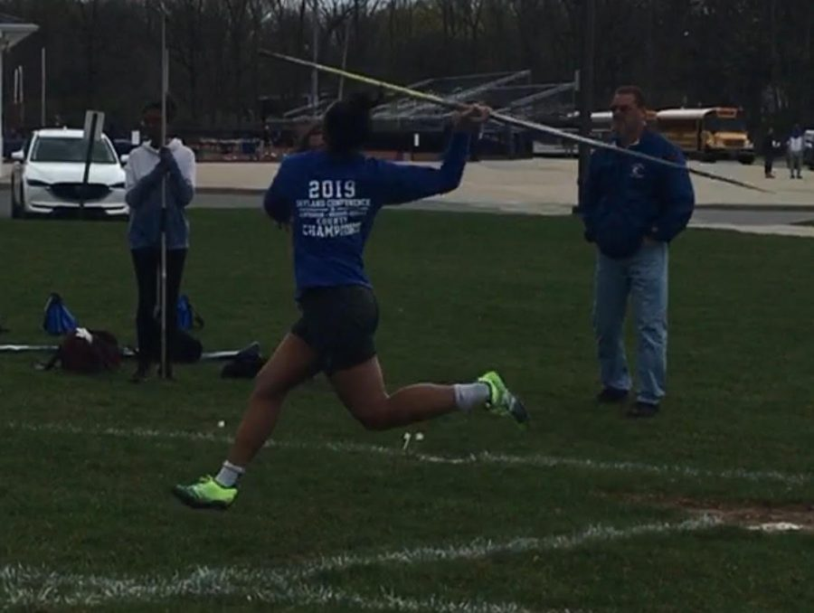 Mallard Breaks Javelin Record