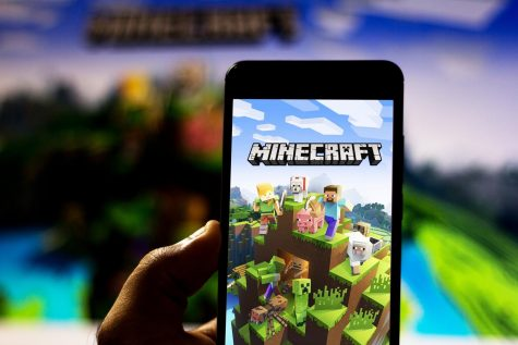 Steve, the main character from Minecraft, the Microsoft-owned game known for its user-driven content, creative use of blocks and monsters that come out at night, made his debut as the 7th DLC character of  Smash Bros in early October.